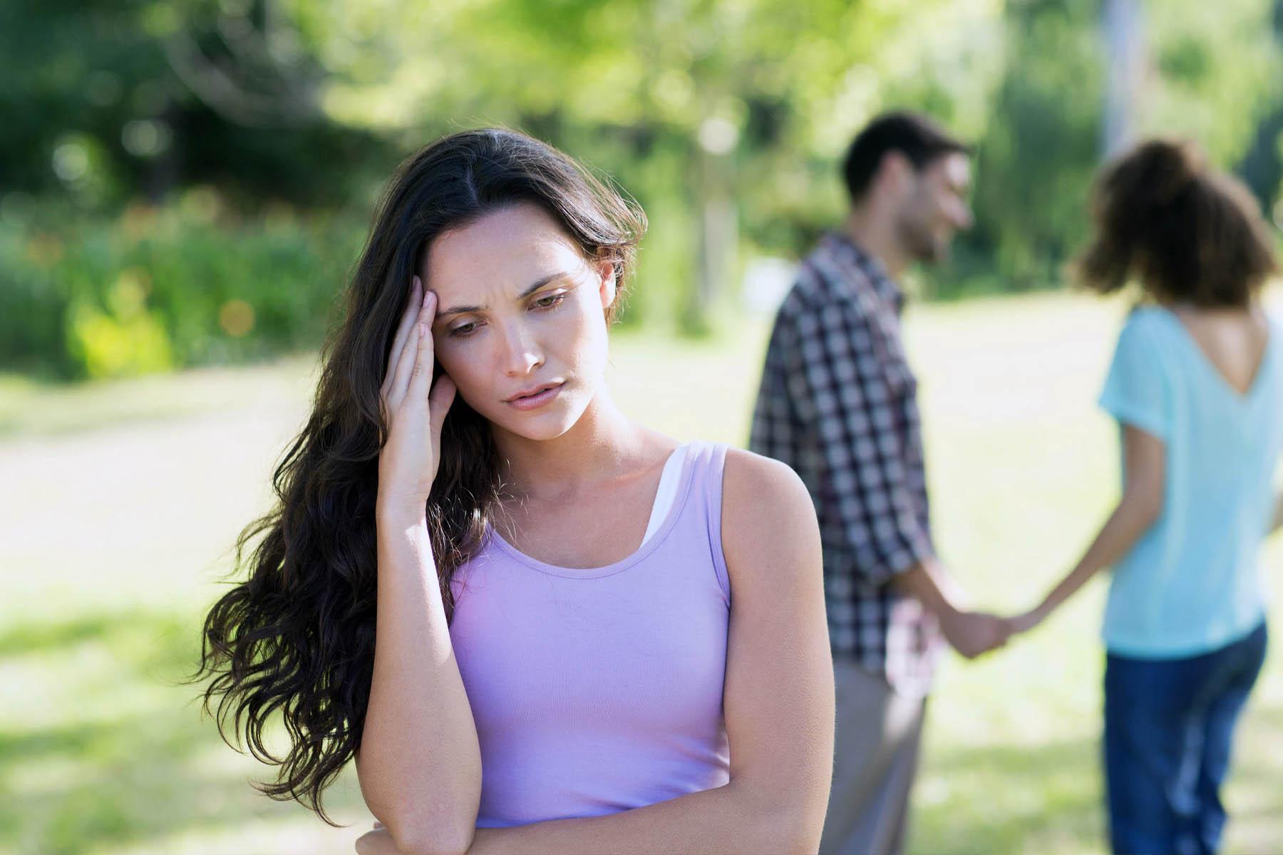 Почему парень изменяет своей девушке